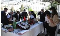 Exposition de photos en l'honneur des 58e ans de l'établissement des relations diplomatiques Vietnam - Algérie