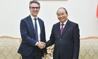 Le Premier ministre rencontre le chef de la Délégation de l'UE au Vietnam