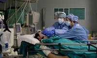 Covid-19: Plus de 1,6 million de décès recensés dans le monde