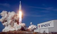 SpaceX prévoit l'envoi de ses premiers touristes dans l'espace à la fin de 2021