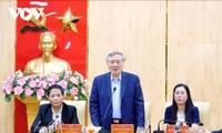 Les dirigeants multiplient les visites à l'occasion du Têt 2021