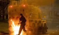 Royaume-Uni: nouvelle nuit d'émeutes, les conséquences du Brexit enflamment l'Irlande du Nord