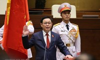 Messages de félicitation à Vuong Dinh Huê
