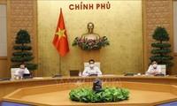 Ministère de la Santé: les experts étrangers vaccinés avant d'entrer au Vietnam peuvent être logés dans des zones de confinement civiles