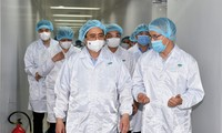 Pham Minh Chinh: accélérer la mise en oeuvre de la stratégie vaccinale