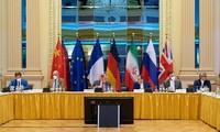Nucléaire iranien: Les États-Unis prônent le dialogue