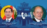 Entretien téléphonique Bùi Thanh Son - Jean Yves Le Drian