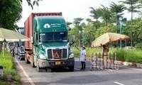 Les véhicules transportant les produits de première nécessité vers les régions épidémiques exemptés de contrôle administratif