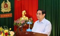 Pham Minh Chinh rend hommage aux forces de sécurité publique