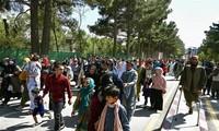 Afghanistan: collèges et lycées rouvrent, mais pour les garçons uniquement