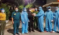 Ấm lòng những suất cơm tặng y bác sỹ chống COVID-19 tại Đà Nẵng