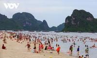 Người dân Quảng Ninh trở lại nhịp sống bình thường mới