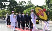 Lãnh đạo Đảng, Nhà nước đặt vòng hoa, tưởng niệm các Anh hùng liệt sỹ