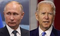 バイデン氏がプーチン氏と電話会談、数か月以内の首脳会談を提案