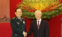 チョン党書記長、中国の国防部長と会見