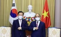 フック国家主席 韓国外相と会見