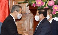 チン首相、山田大使と会見