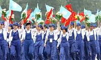 Quang Ngai mengadakan banyak aktivitas untuk menyambut Bulan Buruh
