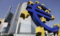 Pimpinan EU berkomitmen mempertahankan Yunani dalam eurozone.