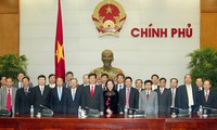 PM asks Vietnamese diplomats overseas to raise the country's profile