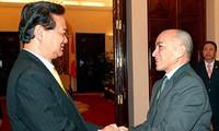 阮晋勇会见柬埔寨国王西哈莫尼