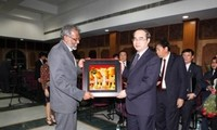 越南政府副总理阮善仁访问印度