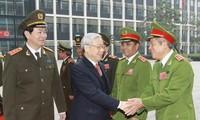 阮富仲视察公安部人民公安力量建设总局