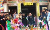 薄辽省佛教徒庆祝佛历2556年,公元2012年盂兰节