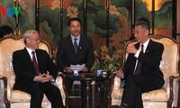 阮富仲与新加坡总理李显龙举行会谈
