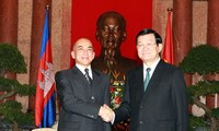 柬埔寨国王西哈莫尼圆满结束对越南的国事访问