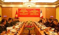 越法国防合作联合委员会举行第三次会议