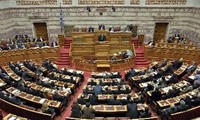 希腊通过新一轮救助法案