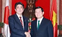 张晋创会见日本首相安倍晋三