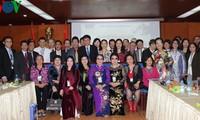 越南祖国阵线和本台举行海外越南人2013年癸巳春节见面会