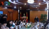 越南政府副总理阮春福探望本台
