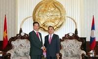 越南政府总理阮晋勇出席在老挝召开的一系列峰会