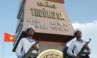 越南有关方面举行活动,缅怀为捍卫长沙群岛主权而牺牲的英雄烈士