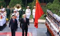 越南领导人致电加拿大领导人祝贺两国建交40周年