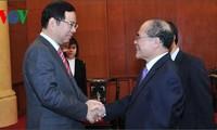 越日两国共产党加强合作并互相支持