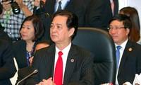 阮晋勇总理:东盟要以高度决心建设共同体