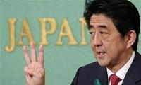 """""""安倍经济学""""与日本经济前景"""