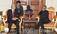 阮富仲会见印度总统慕克吉和副总统安萨里