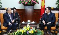 越南-中国加强民间外交合作