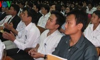 500名知识青年志愿者试点项目座谈会