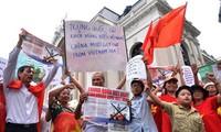 国内外舆论继续谴责中国