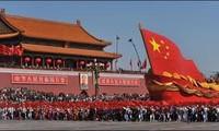 越南党政领导人致电中国领导人祝贺中国国庆65周年