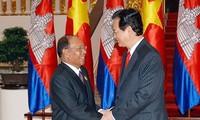 没有任何势力能分裂越柬关系