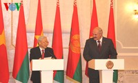 国际媒体报道越共中央总书记阮富仲访问俄罗斯和白俄罗斯取得的成功