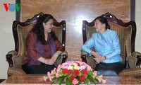 越南和老挝交流法律草案政策分析经验