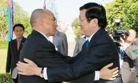 将越南-柬埔寨关系推上新高度